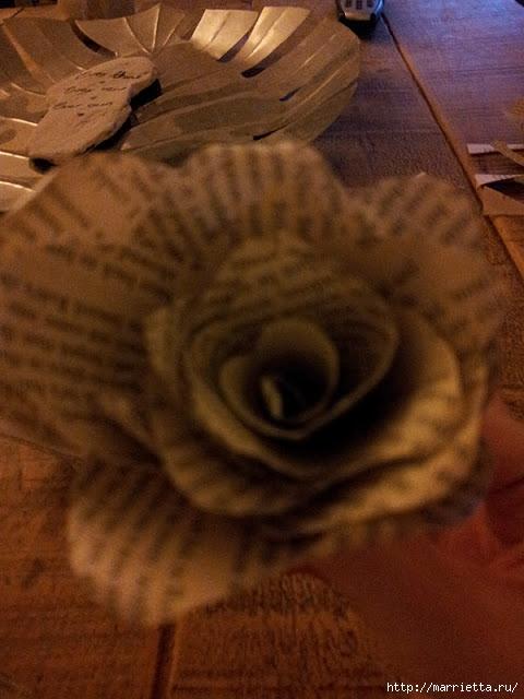 Розы из книжных и печатных страниц (5) (480x640, 165Kb)