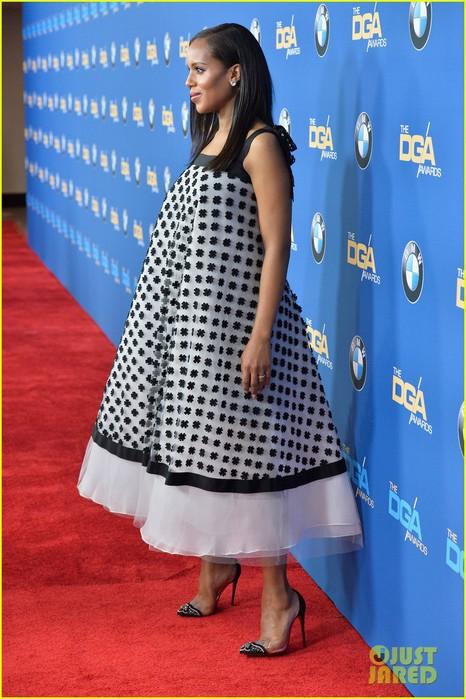 kerry-washingtons-baby-bump-fills-out-dress-at-dga-awards-01 (466x700, 103Kb)