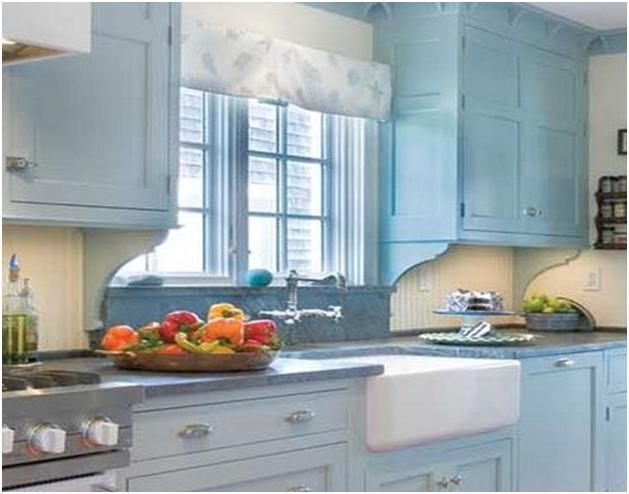Кухни вдоль окна дизайн