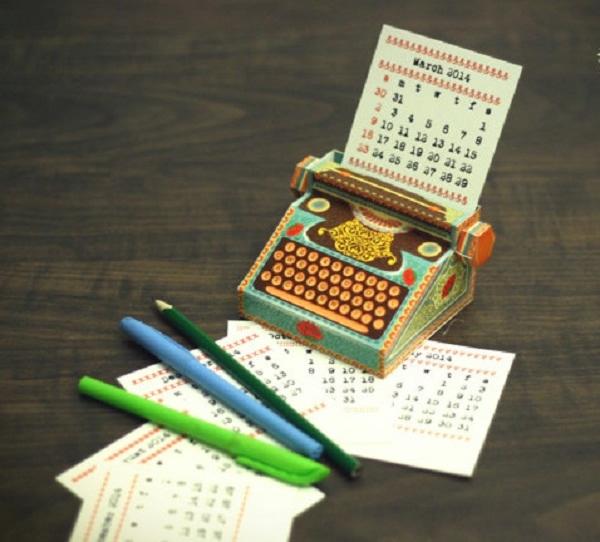оригинальный настольный календарь (600x542, 144Kb)
