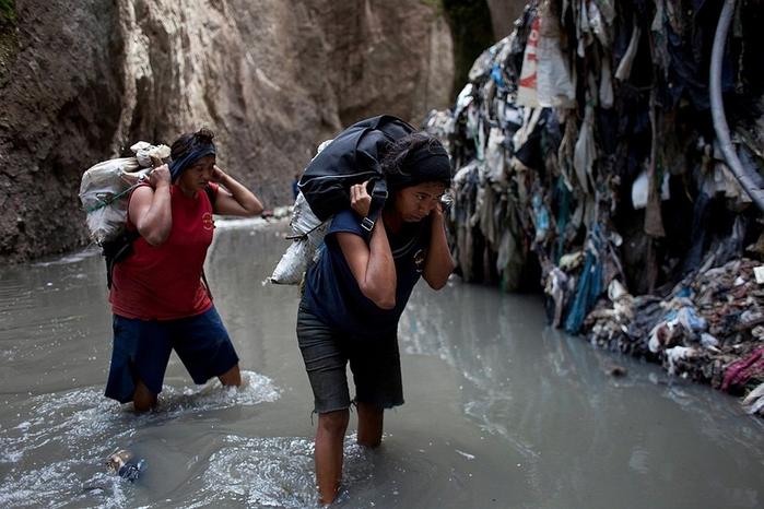 мусорная свалка в гватемале фото 12 (700x466, 339Kb)