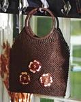 """Плетение сумки в технике макраме.  Схема узора для плетения, пошаговые фото процесса изготовления сумки  """"Крым  """" из."""