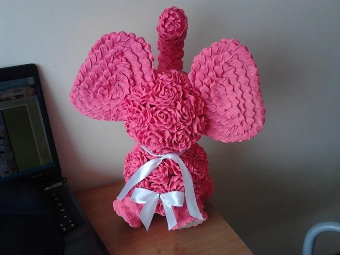 Розовый слон из розочек. Мастер-класс (22) (700x525, 196Kb)