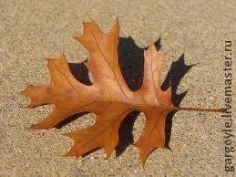 Дубовый лист из кожи и желуди из деревянных бусин (2) (259x194, 40Kb)