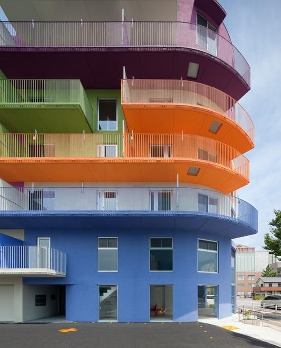 разноцветный дом фото 3 (566x700, 243Kb)