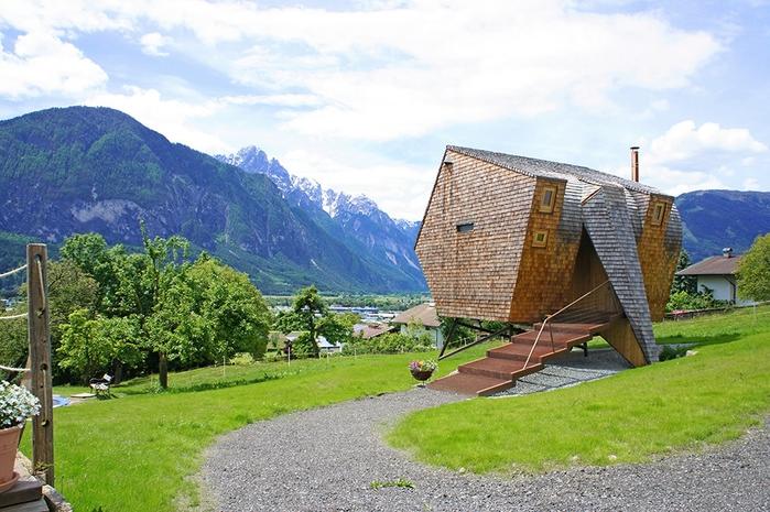 необычный дом фото 12 (700x465, 295Kb)