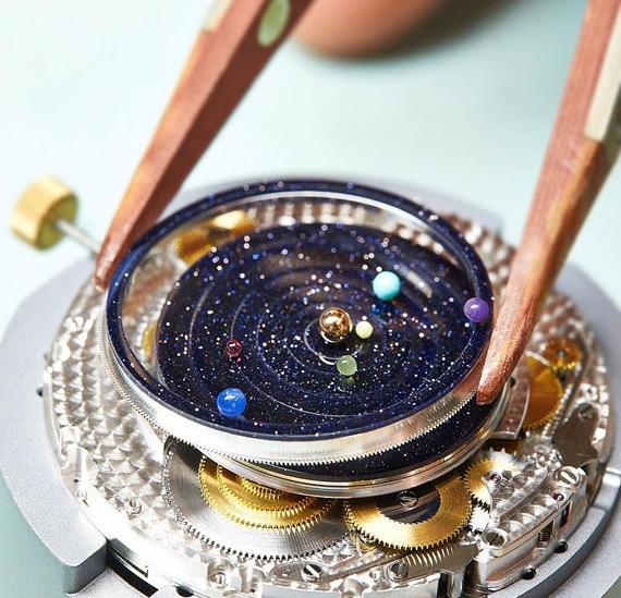 золотые часы Van Cleef & Arpels 3 (570x549, 251Kb)