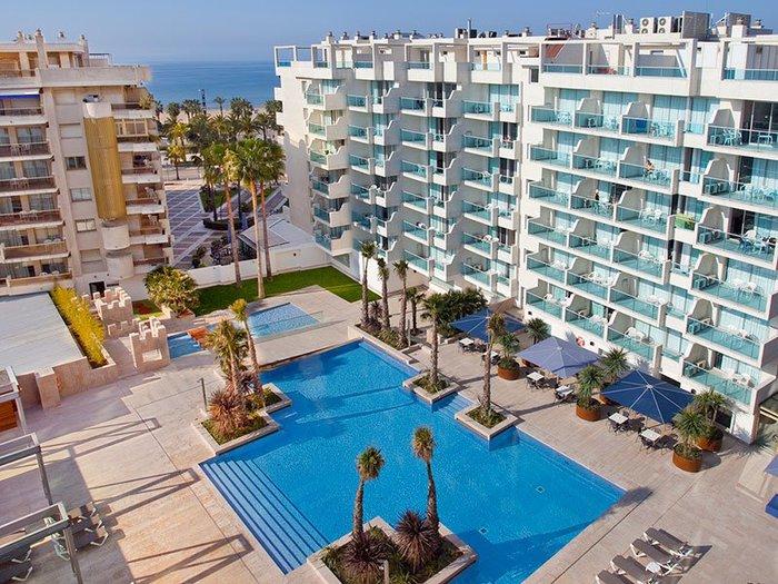 03-hotel-tarragona-salou-sercotel-blaumar-terraza-piscina (700x525, 126Kb)