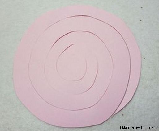 Панно с сердцем из бумажных розочек (5) (514x425, 72Kb)
