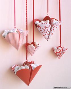 как из чего можно сделать сердечко валентинку, открытая коробочка в форме сердца,/4682845_origamiheartbox00b (250x313, 81Kb)