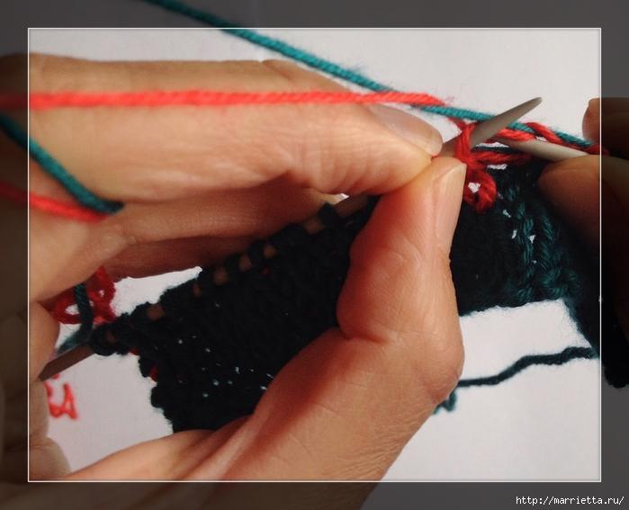 Интересное приспособление для вязания спицами жаккарда (8) (700x567, 229Kb)