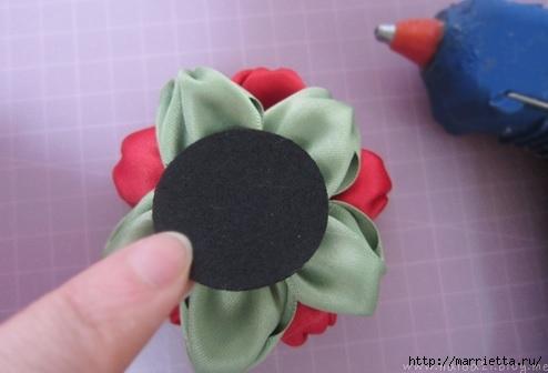 цветочки из ленточек для заколки (12) (494x336, 72Kb)