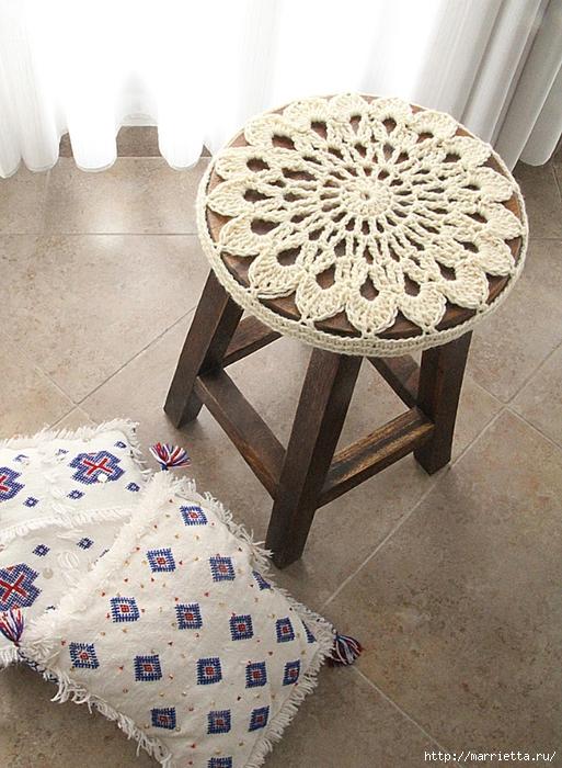 Вязание крючком. Стильные сидушки для круглой табуретки (2) (513x700, 335Kb)