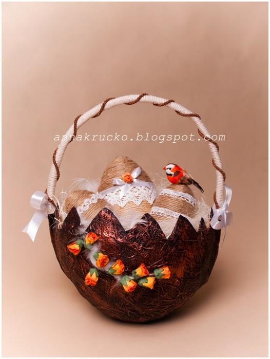 Скорлупка из папье-маше с джутовыми пасхальными яйцами (3) (526x700, 186Kb)