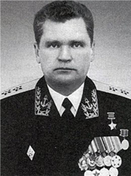 Павел иванович с 1928 года работал электрослесарем на шахте пролетарская диктатура