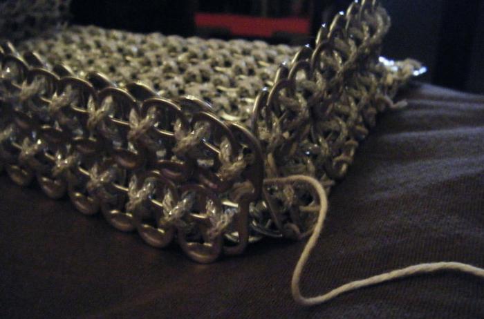 Стильные сумочки из баночных ключей (30) (700x462, 473Kb)