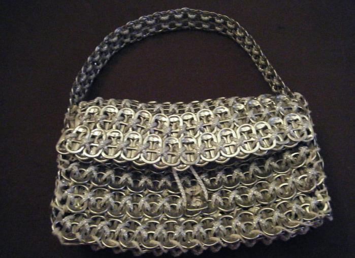 Стильные сумочки из баночных ключей (35) (700x508, 603Kb)