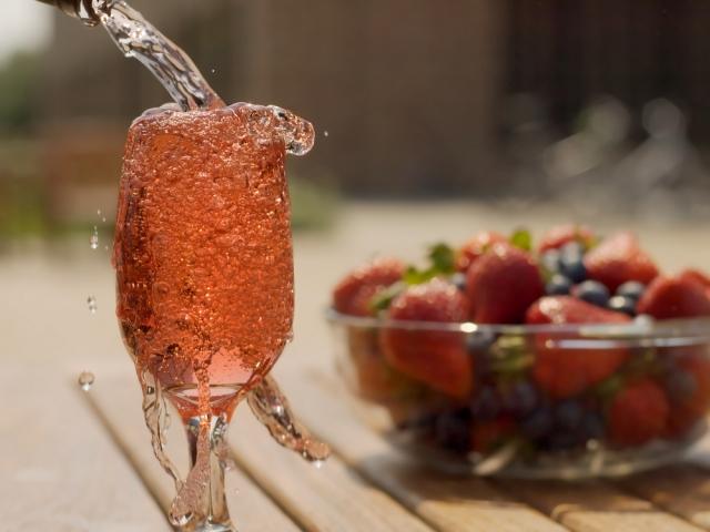 Элитный алкоголь на лучшие праздники года!/4059776_4d63d88d13ea6 (640x480, 179Kb)