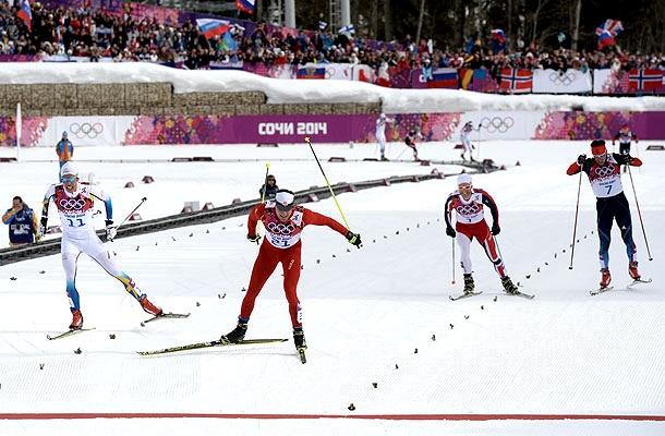 Инциндент на финише лыжной гонки (610x400, 118Kb)