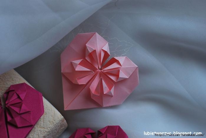 Сердечки-валентинки оригами из бумаги для украшения подарка (72) (700x468, 186Kb)