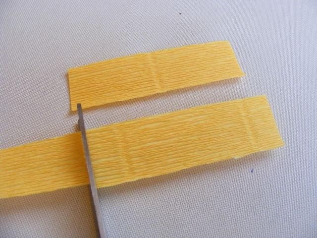 Крокусы из гофрированной бумаги. Мастер-класс (2) (640x480, 190Kb)