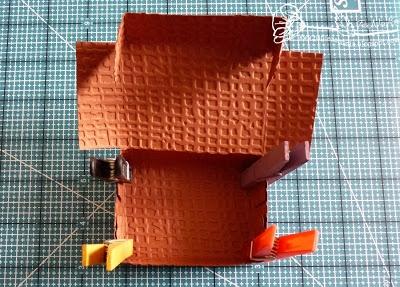 Скрапбукинг. Чемодан из фактурного картона (8) (400x287, 133Kb)