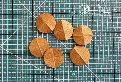 Скрапбукинг. Чемодан из фактурного картона (14) (400x270, 154Kb)