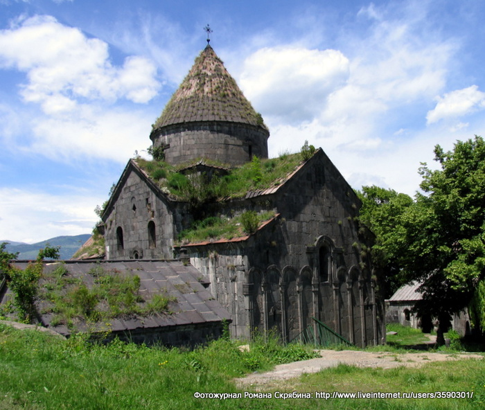 Sanahin_Monastery (700x592, 184Kb)