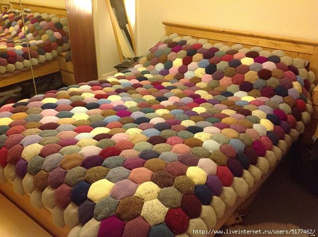 Одеяло их объемных шестиугольников крючком/5177462_puf_1_ (640x478, 299Kb)