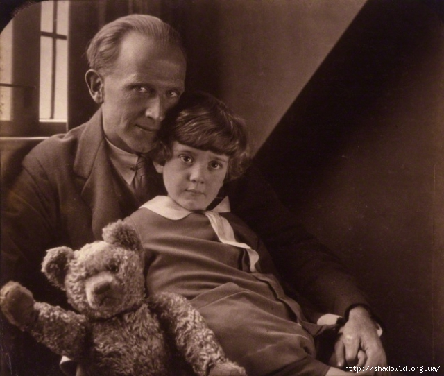 1391546300_2680505-r3l8t8d-650-national-portrait-gallery-large-image-npg-p715-aa-milne-christopher-robin-milne-1386469338_org (640x542, 209Kb)