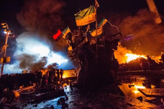 Киев-2014, 18 февраля. Фото Андрей Стенин.РИА Новости (700x466, 264Kb)