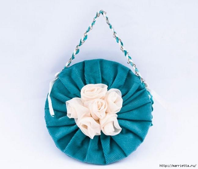 Маленькая сумочка из бархата с цветами из шифона. Шьем сами (1) (648x554, 132Kb)