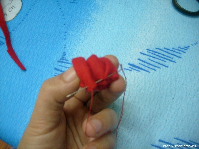 Валентинка с розочками из фетра. Шаблон сердца и мастер-класс (11) (700x525, 263Kb)