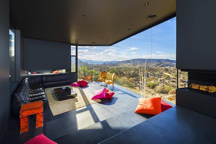 современный дом в пустыне фото 3 (700x466, 364Kb)