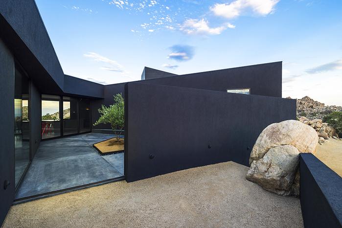 современный дом в пустыне фото 11 (700x466, 372Kb)