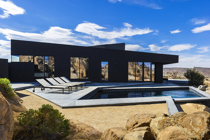 современный дом в пустыне фото 14 (700x466, 449Kb)