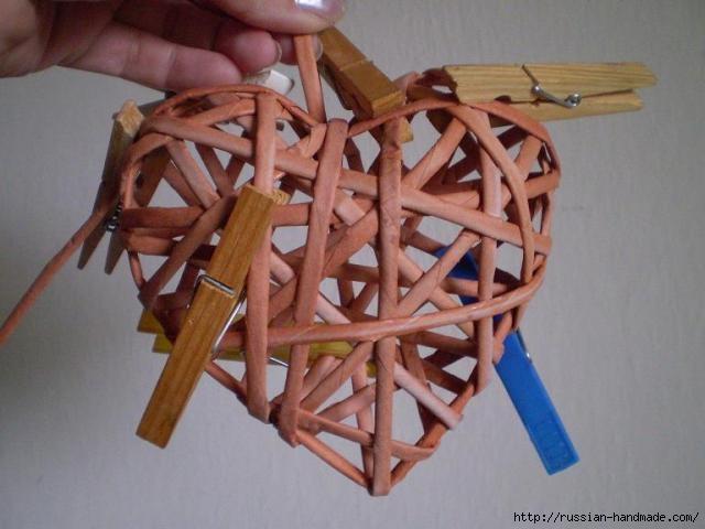 Объемное сердце из газетных трубочек и проволоки. Мастер-класс (19) (640x480, 125Kb)