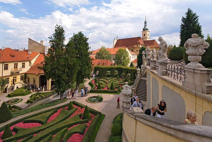 сад Прага 12 (700x468, 422Kb)