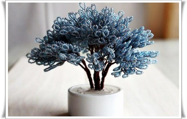 """Плетение деревьев из бисера своими руками.  2:34 пп. Просмотреть все записи в рубрике  """"Хитрости жизни."""