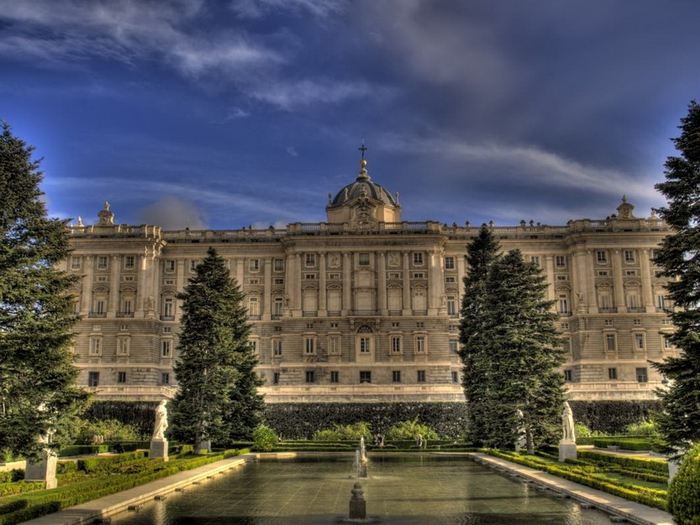 Royal-Palace-in-Madrid (700x525, 275Kb)