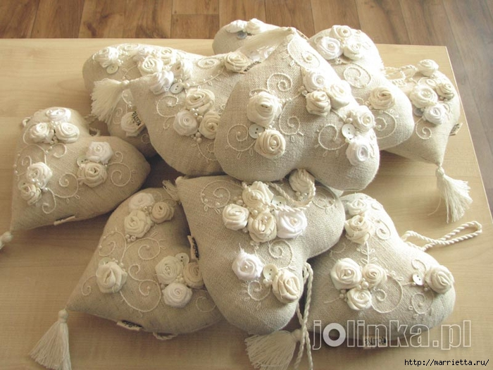 Текстильные сердечки. Большая коллекция очень красивых валентинок (20) (700x525, 270Kb)