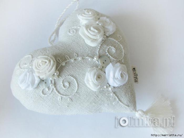 Текстильные сердечки. Большая коллекция очень красивых валентинок (23) (700x525, 171Kb)