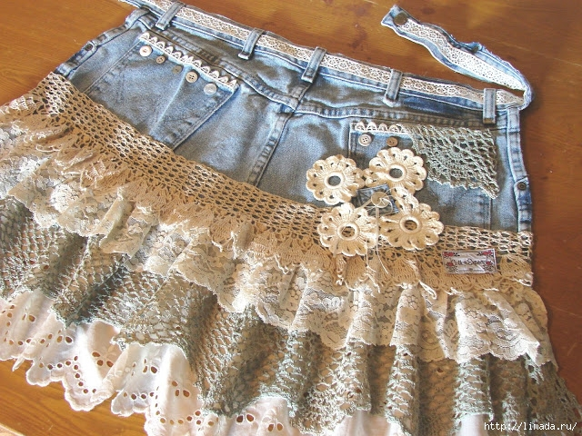 Shabby-Chic-Denim-Apron-Made-with-Ruffled-Eyelet-and-Lace (640x480, 351Kb)