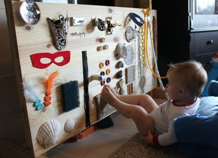 Развивающая стена для малышей