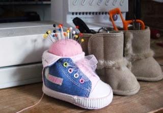 Игольница из детского ботиночка (1) (320x223, 49Kb)