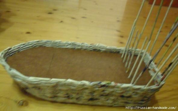 Парусник из газетных трубочек. Плетение (7) (591x368, 86Kb)