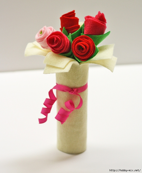 cardboard-tube-felt-rose-bouquet-2 (574x700, 220Kb)