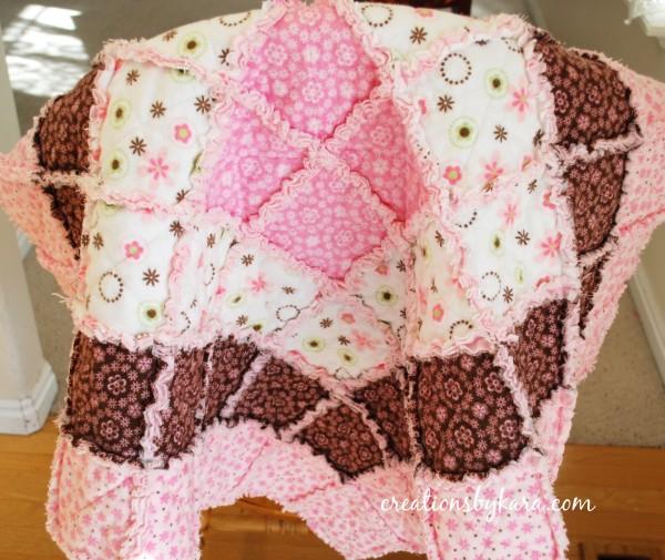 детское одеяло в технике пэчворк (1) (600x505, 334Kb)