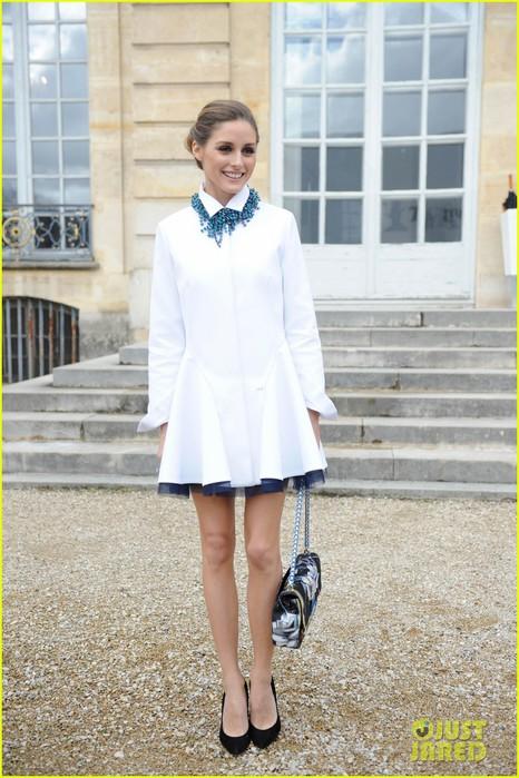 jessica-alba-emma-roberts-christian-dior-fashion-show-17 (466x700, 102Kb)