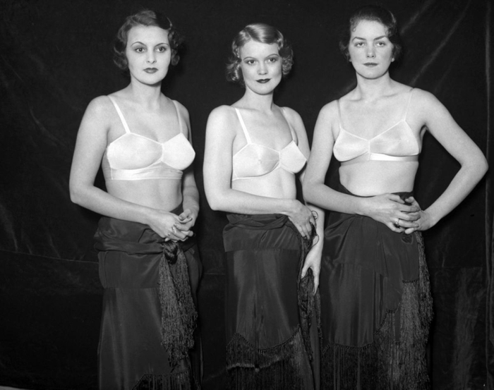 brassiere-fashion-show-1933 (700x553, 173Kb)